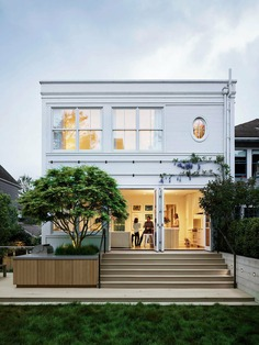 A 21st-Century Home in Edwardian Clothes