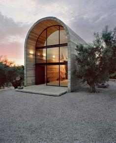 Art studio modern exterior #sculptures #architecture #warehouse #art #paintings #studio #artist