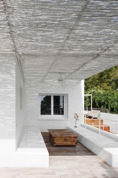 CJWHO ™ (05 AM arquitectura | Baluster Lattice House,...) #spain #white #design #architecture #barcelona #exteriors #luxury