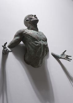 Athletic Bronze Sculptures Emerge from Walls – My Modern Metropolis #walls #athletic #sculptures #art
