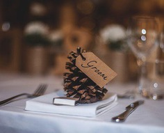 Whether in the blissful days of summer or the crisp mornings of winter, nature-inspired wedding is a popular choice for bride and grooms all over the country when it comes to their special day.