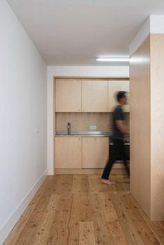 Bica do Sapato Apartment / Arriba Studio