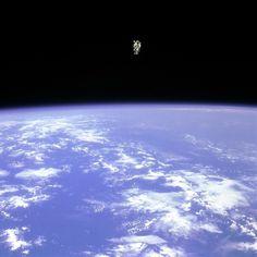 Jay Mug — Astronaut McCandless 1984 #photohgraphy