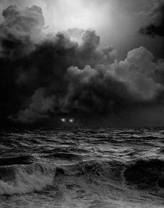 pin #bw #mysterious #cloud #photo #sea #storm #light #ligh