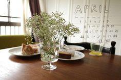 Miss Moss : 12 Flowers #flower #calendar #design #graphic