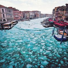 frozenvenice04 #frozen #venice #photography #canal #italy