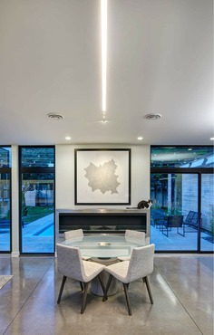dining room / Neumann Monson Architects