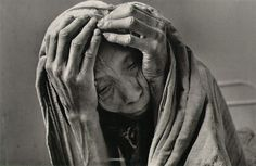 Genesis - Photography by Sebastião Salgado #old #white #woman #and #black #fingers #elderly #photography #hands