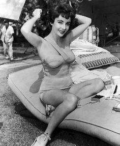 Foto Liz si sentiva come Cleopatra - 3 di 26 - D - la Repubblica #photography #retro #vintage