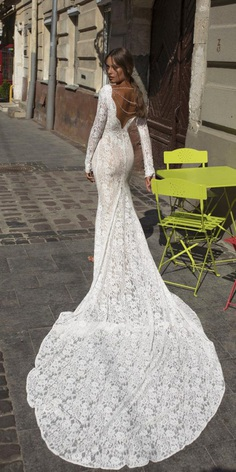 Lace bridal gowns are always luxurious and insanely elegant. No matter what style you choose!