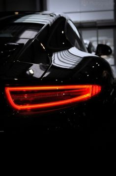 Tumblr #dynamic #black #zoom #photography #contrast #porsche #car