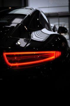 Tumblr #dynamic #black #zoom #photography #contrast #porsche #car