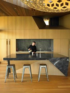 Te Kaitaka House Has a Sculptural Shape Inspired by the Alpine Landscape 9