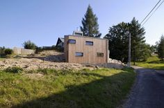 Architecture Photography: Small House on a Hillside / Vladimír Balda - Small House On Hillside / Vladimír Balda (114069) – ArchDaily #architecture #smma