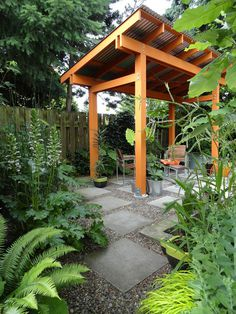 loreePost1.jpg #orange pergoda