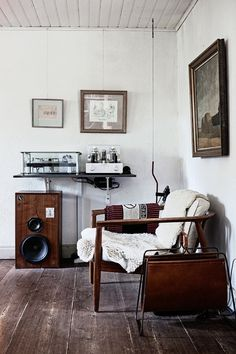 #vintage #livingroom #interiors #music