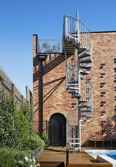 Brickface House is an Amazing Home Built of Recycled Red Brick 1