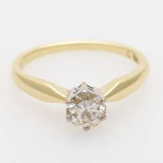 Solitaire ring m. 1 brilliant tenant. 0,56 ct