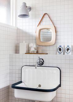 Simone-bathroom