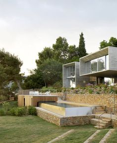 Modernist Brutalism of the Row Concrete at Maison Le Cap - #architecture,#house,#housedesign