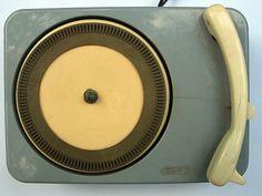 emide_singles_player_1.jpg (636×480) #record #vinyl #vintage