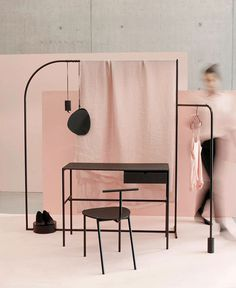 Minimalist Pieces of Black Furniture ILES - InteriorZine