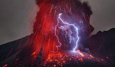 Sakurajima Volcano – Fubiz™ #lightning #photography #fire #volcano