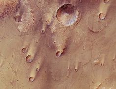 540-20120117-9487-co-SyrtisMajor_H1.jpg (600×460) #mars #photography