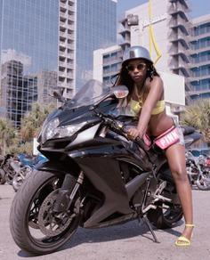 June Canedo | Black Bike Week | D&V