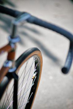 R E N O V A T I O #wheel #minimal #bike #fixed