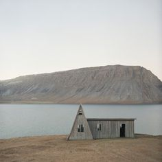 abandoned beauty #house #photo #landscape #abandoned #iceland