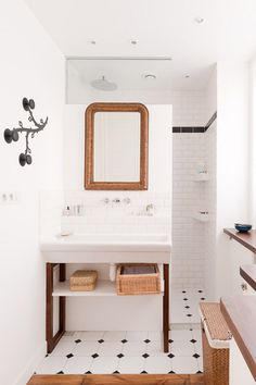dustjacket attic: Parisian Loft #indoor #bathroom