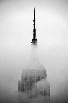 Sara Lindholm #nyc #empire #building #state