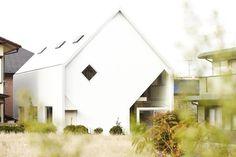 Family Home 'H' in Japan by Hiroyuki Shinozaki