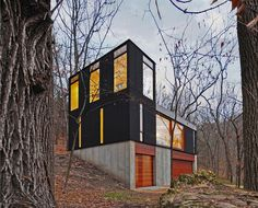 House in the woods by Johnsen Schmaling Architects