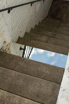 iGNANT #mirror #steps #derak paul boyle