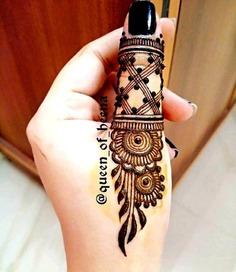 Finger mehndi tattoo