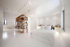 Juliette aux comble by L. McComber ltée. #lmccomberltee #bedroom #minimalist