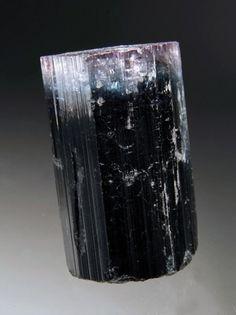 tumblr_llnvmtE0LH1qdui5no1_500.jpg 449×600 pixels #crystal #black