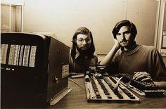 Steve Jobs, l'homme visionnaire qui voulait changer le monde (et qui a réussi) - 20minutes.fr #1976 #steve #apple #wozniak #jobs #pass #away