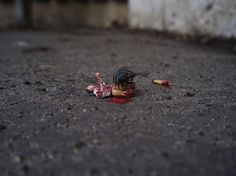 Slinkachu_little_people_street_art_8 #miniature #diorama #art
