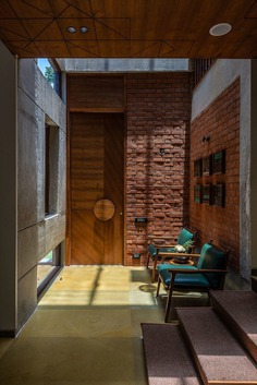 Inside Out Residence in Ahmedabad, India / ADHWA architecture . interiors