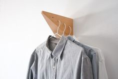 http://tamayo.hol.es/files/gimgs/th-20_web_1.jpg #clothes #design #hang #wood #furniture #wall #hanger #beech #pyramid