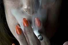 Quique Cabanillas Photograhy Blogfolio #smoke #cigarette #orange #photography #nails