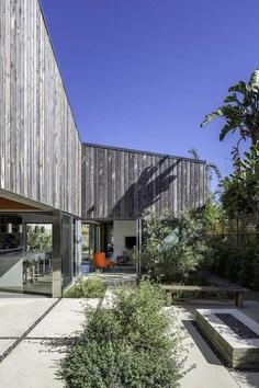 Flower Residence, Modal Design