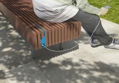 WOODY SMART | Banco con respaldo By mmcité1 diseño David Karasek, Radek Hegmon