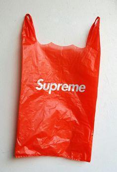 Supreme bag #bag #supreme #logo #plastic #typography