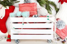 A WHEELED CRATE GIFT CARRIER