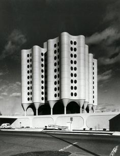 Bertrand Goldberg | iainclaridge.net #architechture