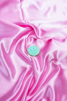 Still life - Taisido #still life #stilllife #photography #silk #candy #smile face #smile #pink